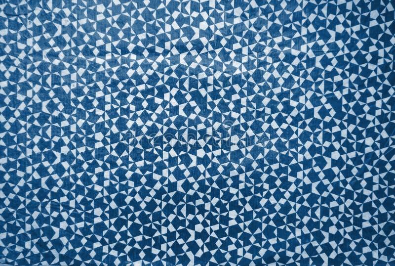 Abstrakcyjne proste tło geometryczne w głębokim, niebieskim, niebieskim widoku górnym, układ do projektowania, tekstura dekoracyj zdjęcia stock