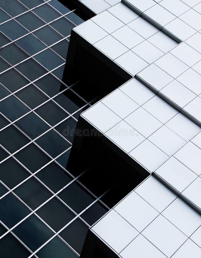 Abstrakt arkitektur av en modern byggnad arkivfoto