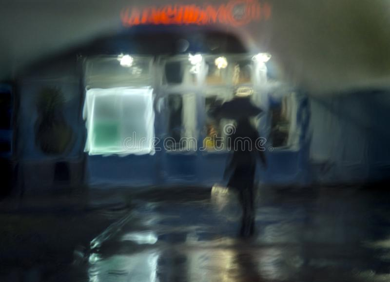 Abstrakt bakgrund, nattgata, regn, kontur arkivbilder