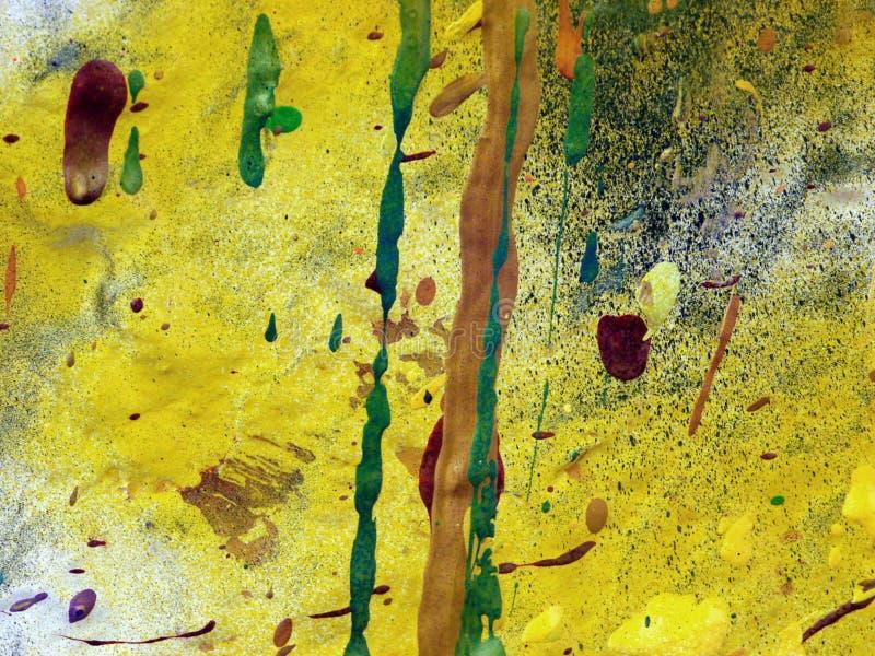 abstrakt begrepp dryper målarfärgyellow fotografering för bildbyråer