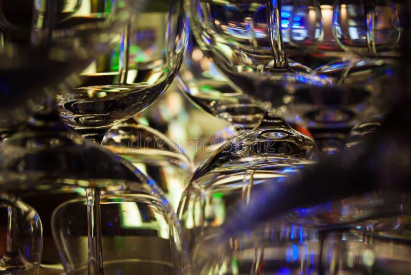 Abstrakt begreppskottexponeringsglas som står på stången royaltyfri foto