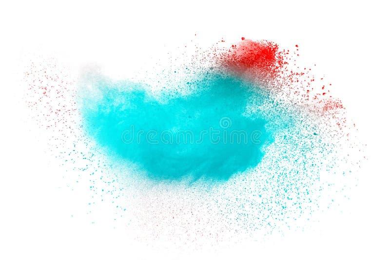 Abstrakt blå rosa dammexplosion på vit bakgrund Frysningrörelse av blått rosa plaska för partiklar arkivbilder