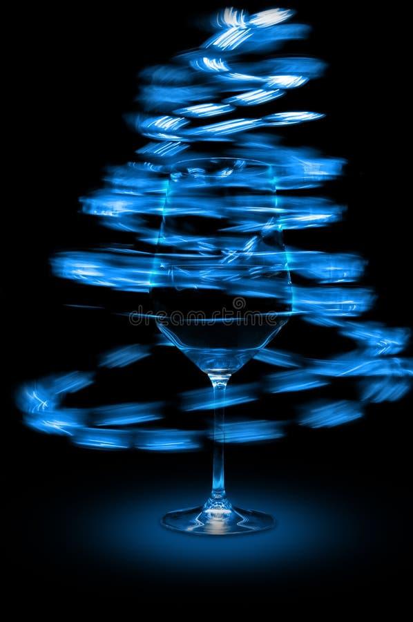 abstrakt blått exponeringsglas tänder wine fotografering för bildbyråer