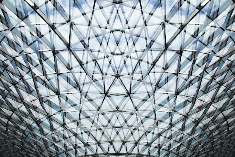 Abstrakt byggnad f?r modern design f?r arkitektur arkivfoton