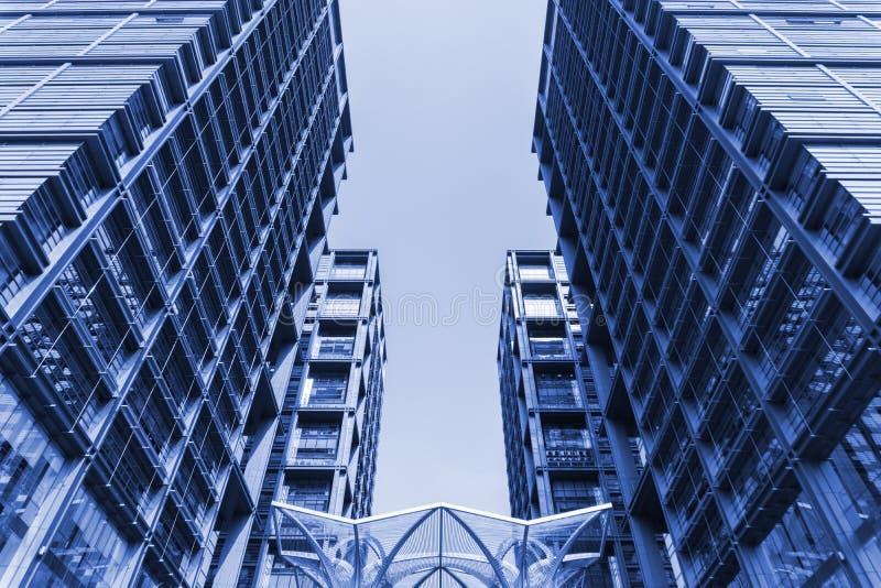 abstrakt byggnadssikt royaltyfri foto