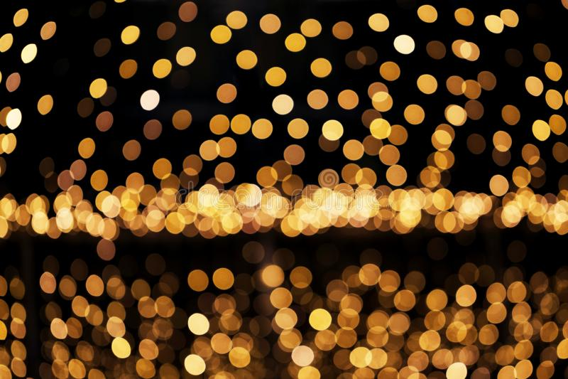 Abstrakt defocused blänka bakgrund Oskarp bokeh av guld- ljus Jul och feriebegrepp arkivfoto