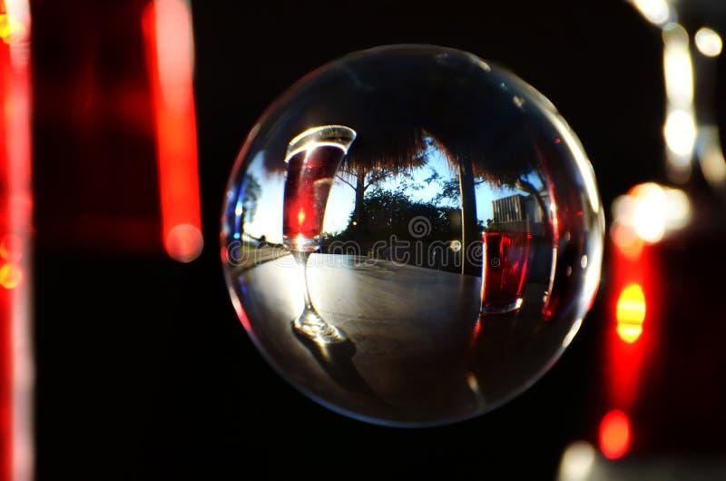 Abstrakt exponeringsglas för rött vin för bakgrundsbegreppsfärg fotografering för bildbyråer