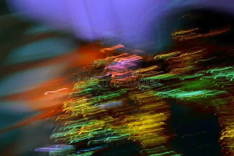 Abstrakt, färglös bakgrund Digital konst Grön våg med lila ljusstrålar Orange glöd arkivfoto