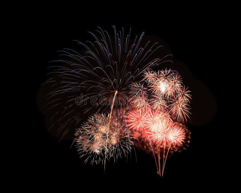 Abstrakt festlig färgrik fyrverkeriexplosion på svart backgroun arkivbild