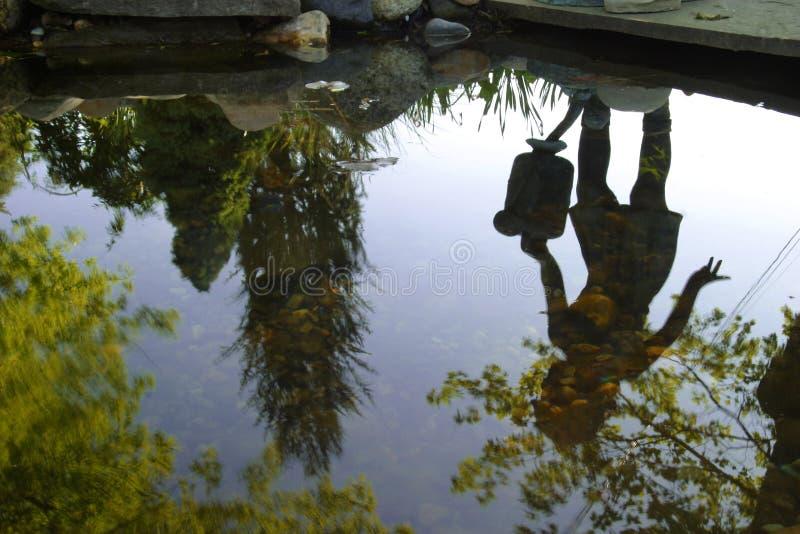 Download Abstrakt Hämtande Hinkvatten Arkivfoto - Bild av rocks, utforskning: 502712