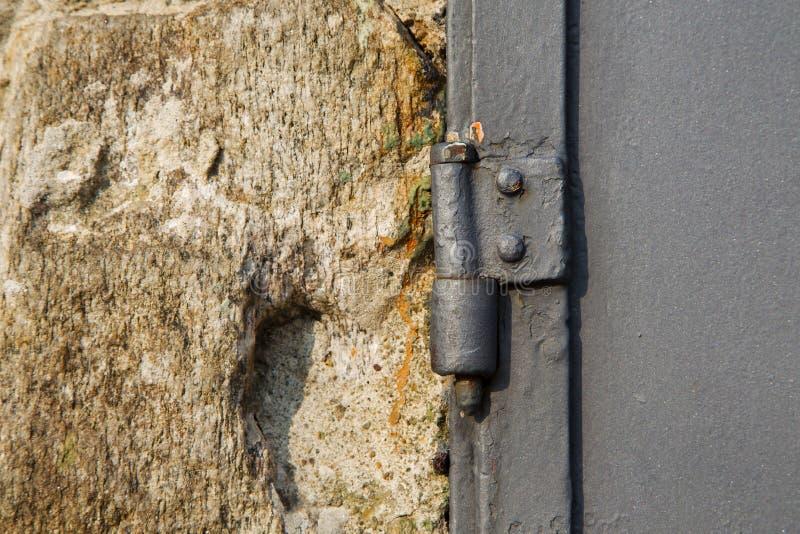 abstrakt husdörr i Italien metallvinande royaltyfria foton
