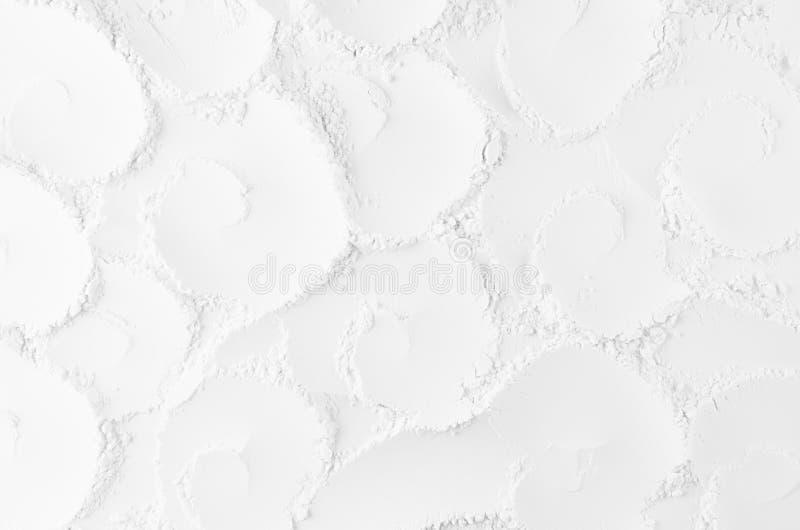 Abstrakt mjuk slät murbrukbakgrund för vit med modellen för krullningsspiralros royaltyfria bilder