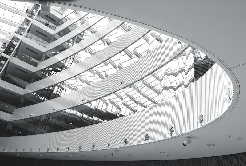 Abstrakt modern arkitekturinre royaltyfria foton