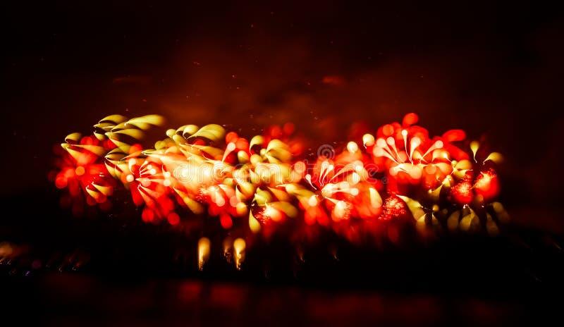 Abstrakt, rozmyty, styl kolorowa fajerwerki w czerwonym brzmieniu fotografia obrazy stock