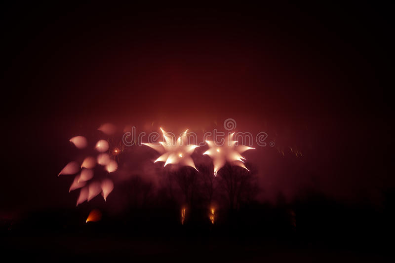 Abstrakt, rozmyty, styl kolorowa fajerwerki w czerwonym brzmieniu fotografia obraz royalty free