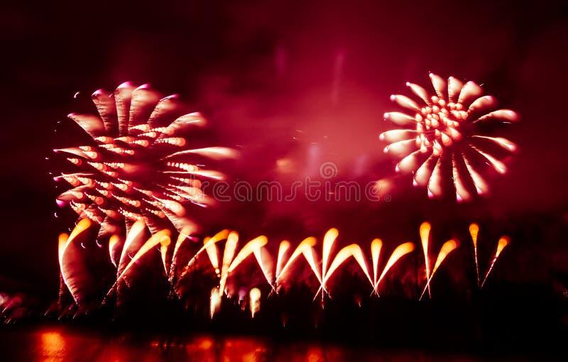Abstrakt, rozmyty, styl kolorowa fajerwerki w czerwonym brzmieniu fotografia obraz stock