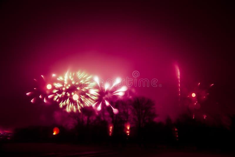 Abstrakt, rozmyty, styl kolorowa fajerwerki w czerwonym brzmieniu fotografia zdjęcia stock