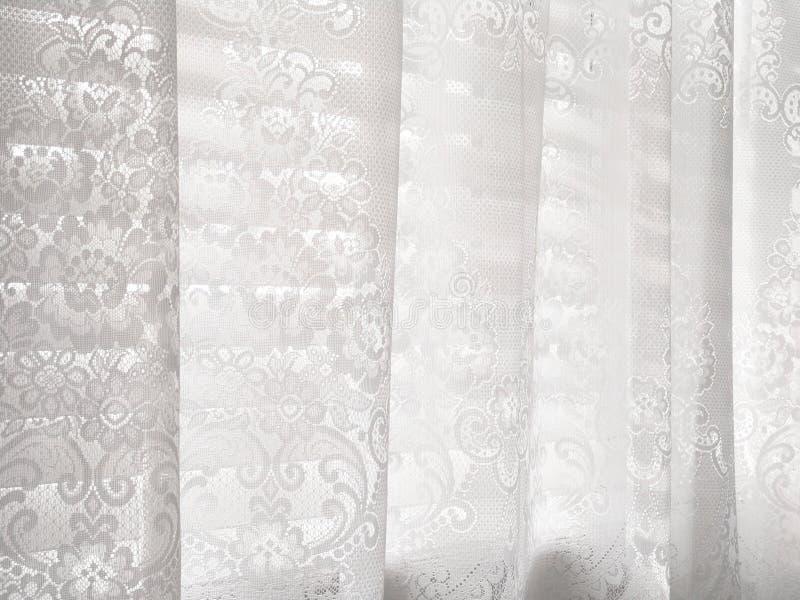 abstrakt rullgardiner snör åt modellwhitefönstret royaltyfri foto