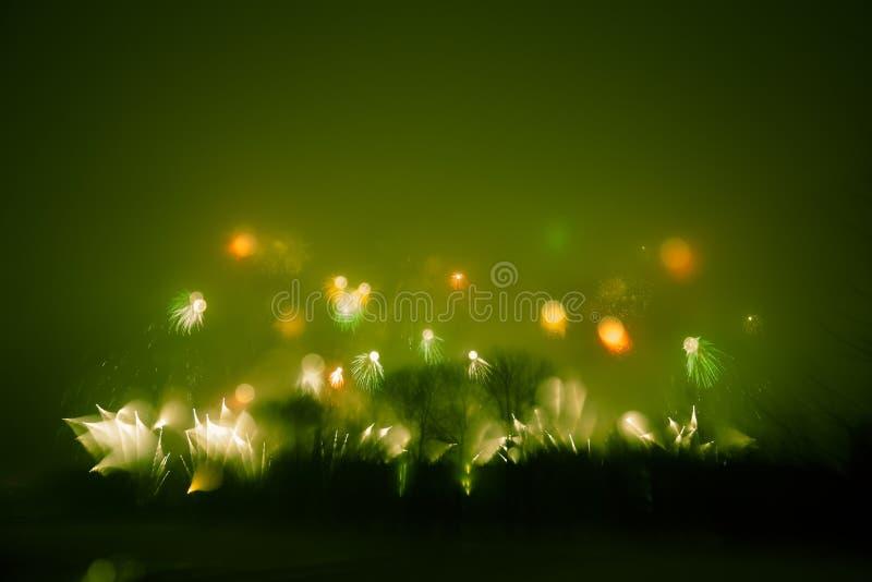Abstrakt stylowa kolorowa fotografia fajerwerki w zielonym brzmieniu obraz stock