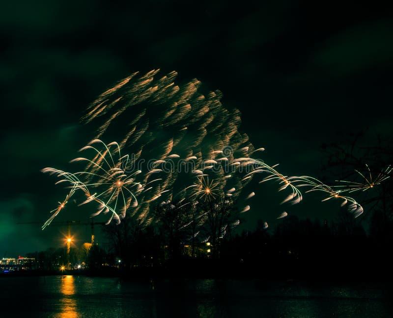 Abstrakt stylowa kolorowa fotografia fajerwerki w zielonym brzmieniu zdjęcia stock