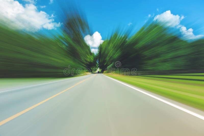 Abstrakt suddig sikt för rörelse av gatan arkivfoton