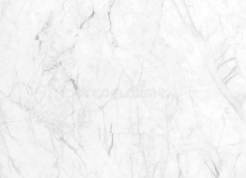 Abstrakt vit marmorbakgrund med naturliga motiv arkivfoto