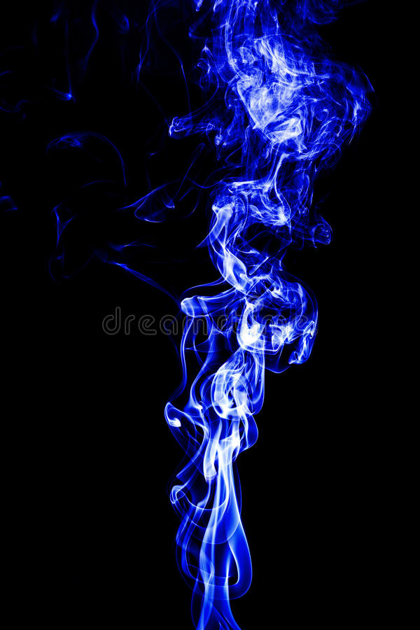 abstrakt vit rök på svart bakgrund, rökbakgrund, blått royaltyfria bilder