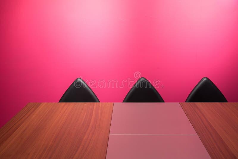 Abstrakta ściana, krzesło & biurko, fotografia royalty free