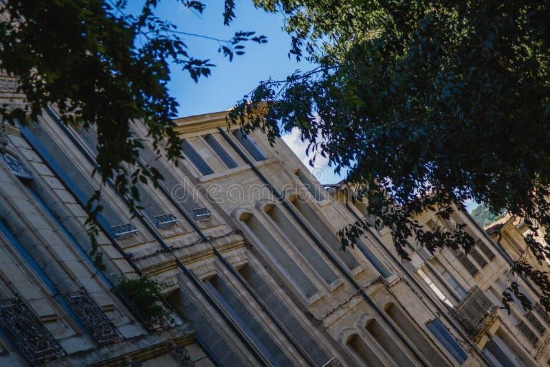 Abstrakta byggnader i Montpellier i Frankrike arkivbild