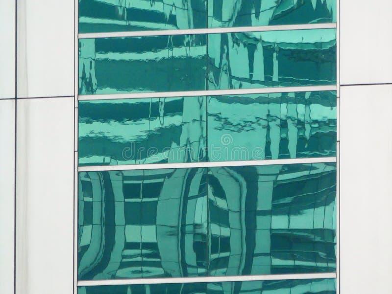 Abstrakta reflexioner av byggnader royaltyfria bilder