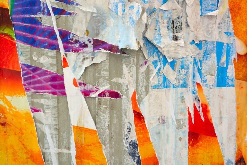 Abstrakta sönderrivna affischer arkivfoton