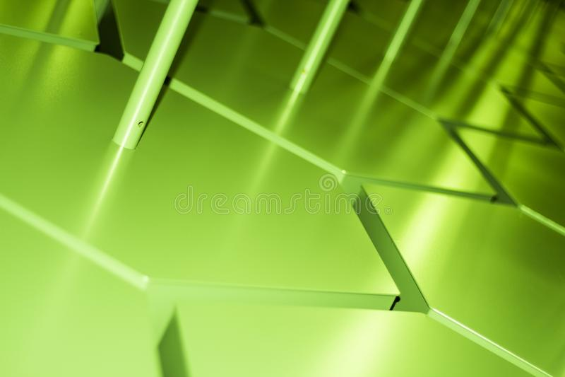 Abstrakta zygzakowatego wzoru zielony przemysłowy gradient z promieniami obraz royalty free