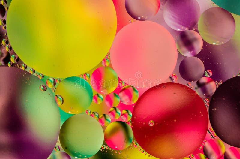 Abstrakte Blasen schwimmend und bunt stockfotografie