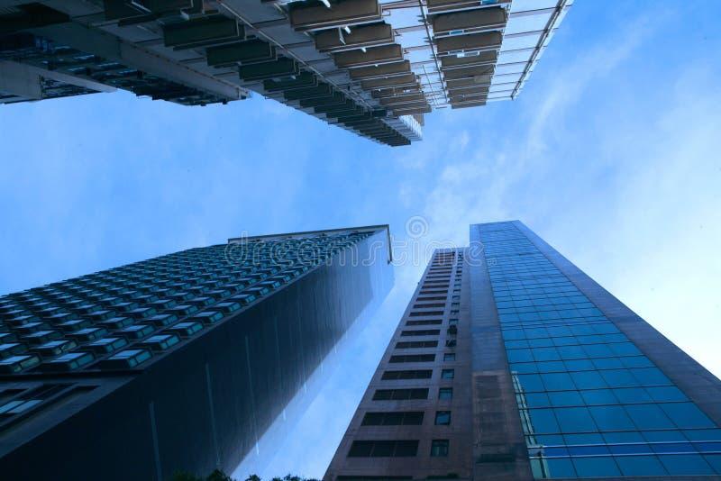 Abstrakte futuristische Stadtbildansicht mit modernen Wolkenkratzern Peking, China stockbild