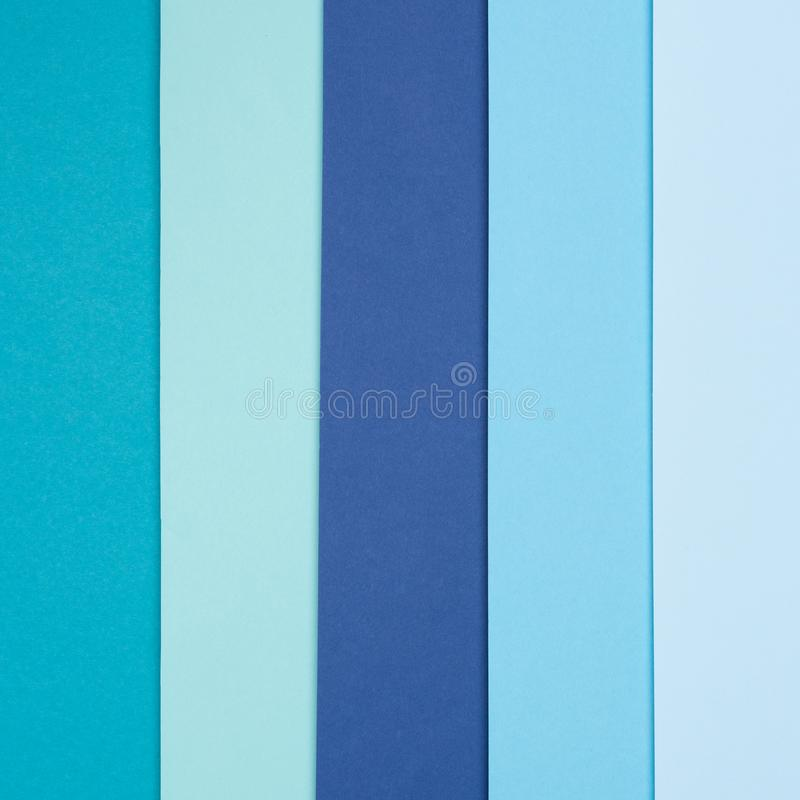 Abstrakte Geometrieebene legen Pastellbeschaffenheitsminimalismushintergrund des farbigen Papiers des BLAUS und des Türkises lizenzfreie stockfotos