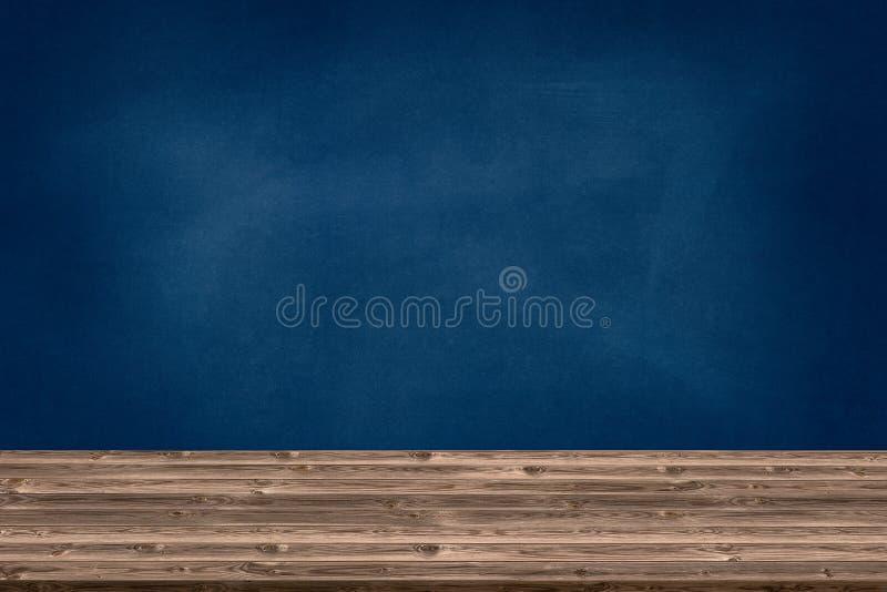 Abstrakte Holztischbeschaffenheit und -kreide, die heraus auf Tafel, denn gerieben werden, -graphik addieren Produkt, Bildungskon stockfoto