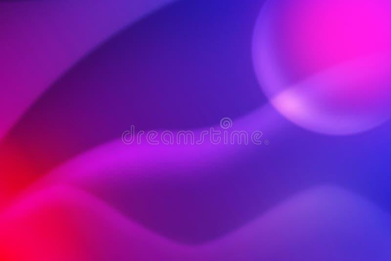 Abstrakte Kurven in unscharfem blauem, rosa, purpurrotem und rotem Hintergrund stockfoto