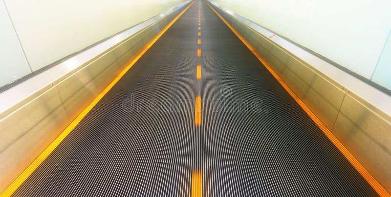 Abstrakte leere Rolltreppe lizenzfreies stockfoto