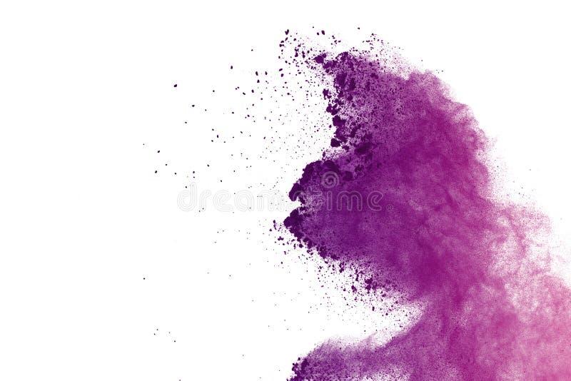 Abstrakte purpurrote Pulverexplosion auf weißem Hintergrund extrahieren Sie das farbige splatted Pulver, Frostbewegung des violet stockfotos