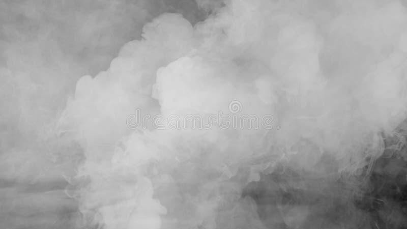 Abstrakte Rauchdampfverschiebung auf einem schwarzen Hintergrund Das Konzept der Aromatherapie lizenzfreies stockfoto