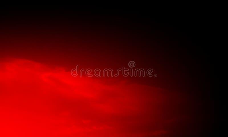 Abstrakte rot-orange Rauchhuka auf einem schwarzen Hintergrund stockfotografie