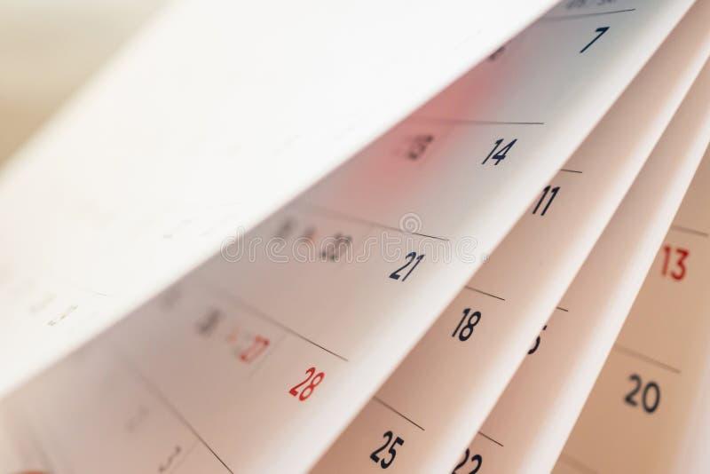 Abstrakte Unschärfekalenderseite, die Blatt leicht schlägt stockbilder