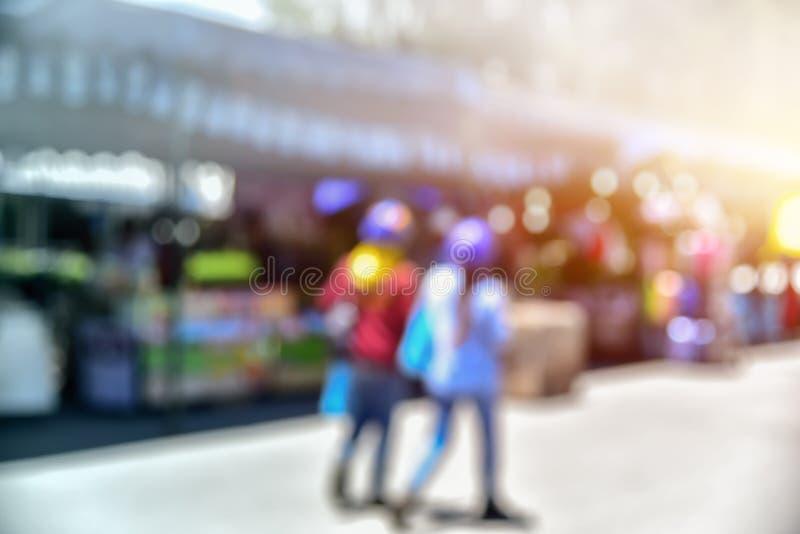 Abstrakte unscharfe Leute und bokeh für Hintergrund lizenzfreies stockbild