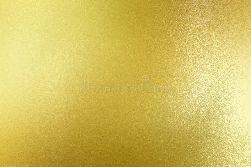 Abstrakter Beschaffenheitshintergrund, schmutzig auf Goldmetallplatte lizenzfreie abbildung