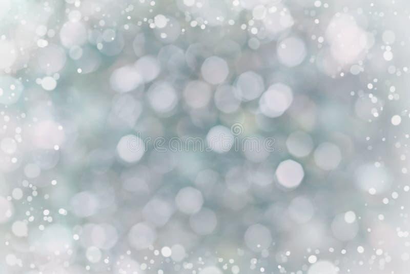 Abstrakter bokeh Hintergrund für Ihr Design, unscharfe Lichter mit Schneeeffekt lizenzfreies stockbild