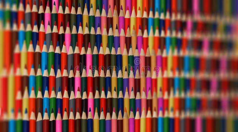Abstrakter bunter Regenbogen schärfen Bleistifthintergrundmuster Unscharfes Hintergrundteil Scharfes zeichnet Regenbogenhintergru stockfotografie