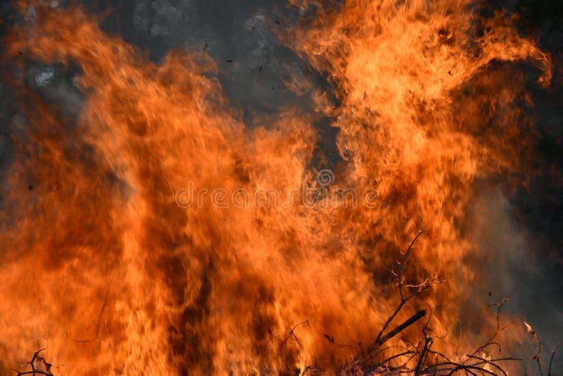 Abstrakter Flammen-, Feuer-und Rauch-Hintergrund stockfotografie