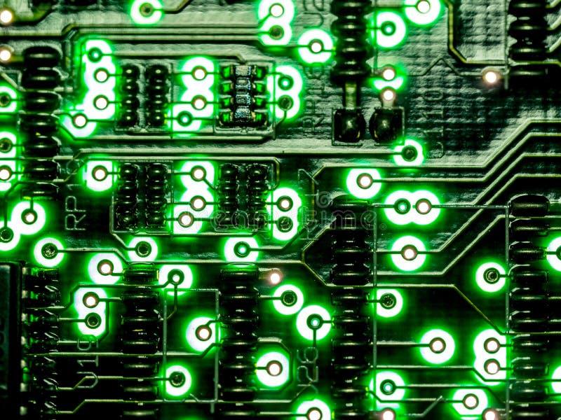 Abstrakter Hintergrund, Abschluss herauf grüne Leiterplatte ElektronenrechenanlageGerätetechnik Mainboard-Computerhintergrund Int lizenzfreie stockfotografie