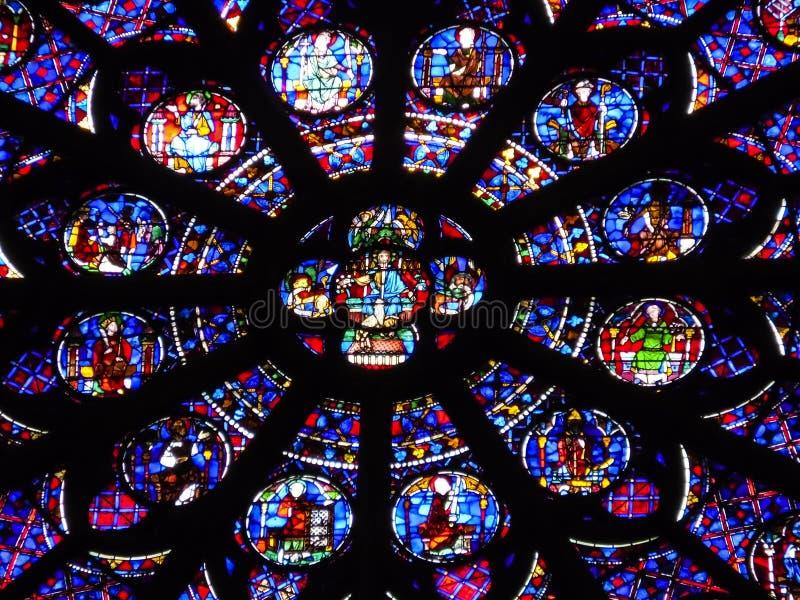 Abstrakter hintergrund buntglas fenster notre dame de - Download er finestra ...