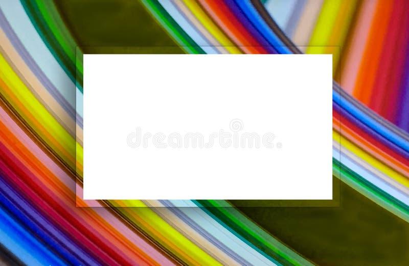 Abstrakter Regenbogen im bunten Strudelmuster mit weißer Aufklebermitte stockfoto